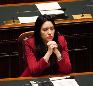 """Ministrja italiane: Objekt abuzimesh seksiste prej """"paaftësisë gjatë krizës së pandemisë"""""""