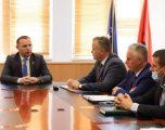Ministri Zemaj merr detyrën në krye të Ministrisë së Shëndetësisë
