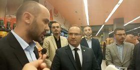 Ministri i tregtisë dhe industrisë Vesel Krasniqi viziton pikën e Marketit Meridian në Arbëri