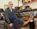 Këpuctari krijon këpucët anti-Covid!