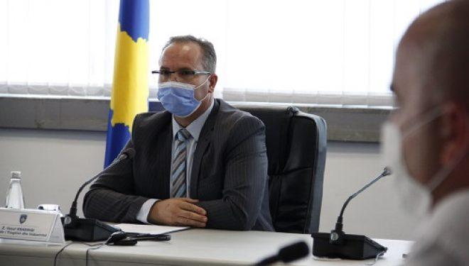 Ministri Krasniqi kërkoi nga mekanizmat komunalë që t'i respektojnë rekomandimet e institucioneve për parandalimin e Pandemisë COVID-19