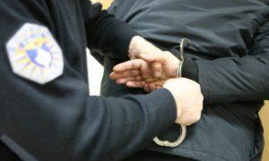 Aheng dhe gjuajtje me armë zjarri në Prapashticë, arrestohen pesë persona
