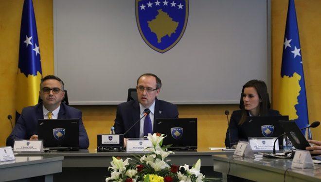 Dorëzohet Hoti ia delegon Thaçit përfaqësimin e Kosovës në negociata