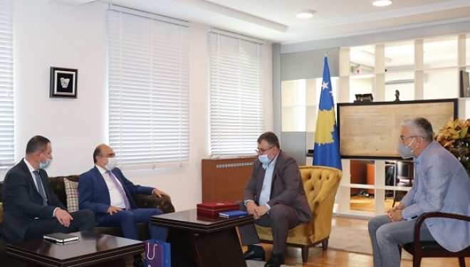 Ministri Kuçi priti në takim udhëheqësit e Odës Tregtare Kosovaro-Turke