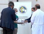 Gjermania i dhuron Kosovës 6 mijë teste për koronavirus