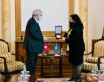 Vjosa Osmani priti në takim lamtumirës ambasadorin zviceran në Kosovë