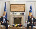 Thaçi e Hoti diskutojnë rreth dialogut