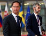 Drejtuesit e BE-së përpiqen të arrijnë marrëveshje në ditën e tretë të samitit