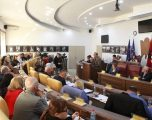 Nënkryetari i Gjilanit shpreh frikën për një krizë të madhe sociale e ekonomike gjatë shtatorit dhe tetorit