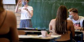 Gjermani, maska e domosdoshme edhe jashtë klasave