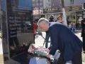 E harruan vajzën rome jashtë pllakës përkujtimore, Komuna zotohet se do të përmirësojë gabimin
