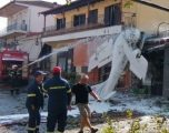 Avioni rrëzohet mbi një ndërtesë afër qytetit grek Seres