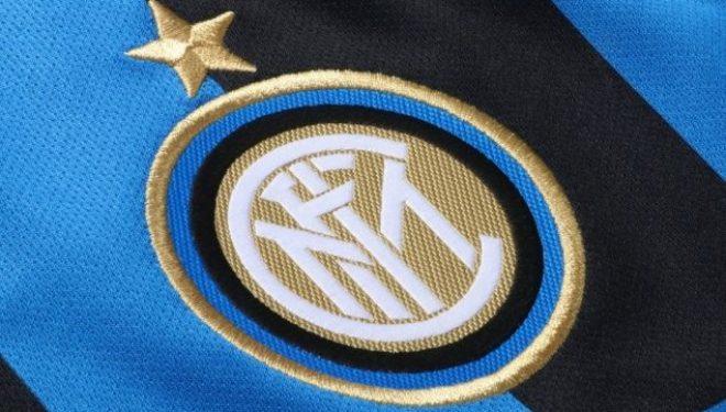 Vijnë konfirmimet, Interi edhe më afër Arturo Vidalit