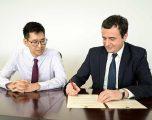Kush është Tienmu Ma, këshilltari i Kurtit të cilin ministria e Veliut po e përzë nga Kosova