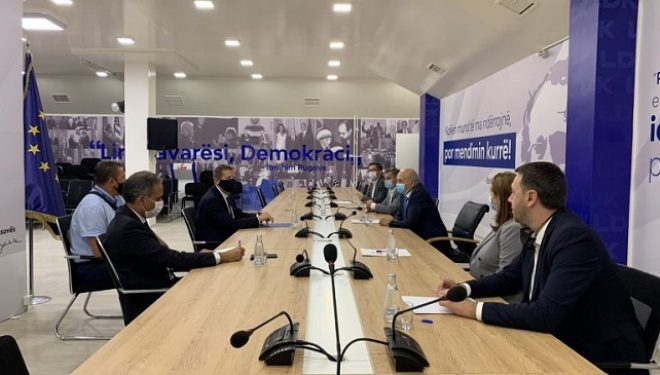 Mustafa takoi shefin e ri të BE-së, flasin për liberalizimin e vizave