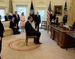 Vuçiq: Trefishohet pro-amerikanizmi te serbët
