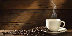 4 filxhanë kafe në ditë rritin mbijetesën e pacientëve me kancer