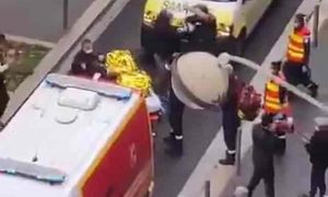 Tronditet Franca, terroristi u pret kokën 2 personave në mes të qytetit (FOTO)