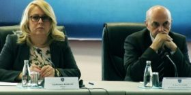 Mustafa mbështet ministren Bajrami: Plaçkitja e parasë publike ka adresë