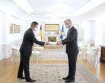 Thaçi pranon kredencialet nga ambasasdori i Belgjikës, Frederic Maurice