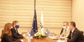 Mehmeti e Szunyog, kërkojnë aprovimin e Ligjit për Rimëkëmbje Ekonomike