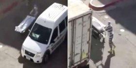 Videoja tronditëse tregon të burgosurit duke larguar kufomat e pacientëve me COVID – (Video)