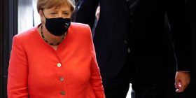 Merkel: Me variantin Delta, fundi i pandemisë nuk është afër
