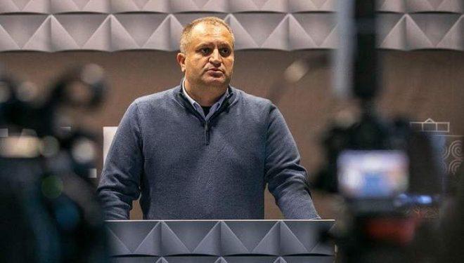 Ahmeti: Qeveria nuk duhet të dyfishojë gabimet logjike të masave