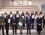 Në Gjilan certifikohen 18 edukatore e infermiere për alfabetin e gjuhës së shenjave dhe komunikimit verbal
