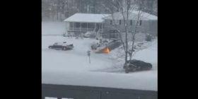 Heq borën me … flakëhedhës – video