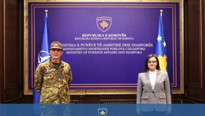 Haradinaj-Stublla takohet me komandantin e KFOR-it, gjeneralmajorin Federici