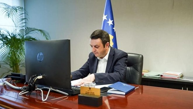 Selimi diskuton për Ligjin për Mbrojtje nga Dhuna në Familje