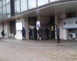 Prani e shtuar e policisë para mbledhjes së KQZ-së ku pritet të bëhet certifikimi i kandidatëve