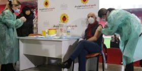 Pasi u vaksinua kundër Covid-19, infektologu shqiptar infektohet me virus