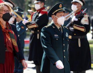 Përmes bashkëpunimit ushtarak deri te vaksinat e Kinës