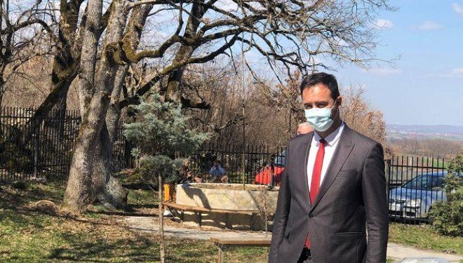 Konjufca kujton 116 të vrarët në Studime: Qytetarët të zemëruar për mungesën e drejtësisë