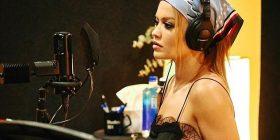 Rita Ora nis inçizimin e këngës së re