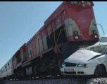 Treni godet veturën, lëndohet një person në Pejë