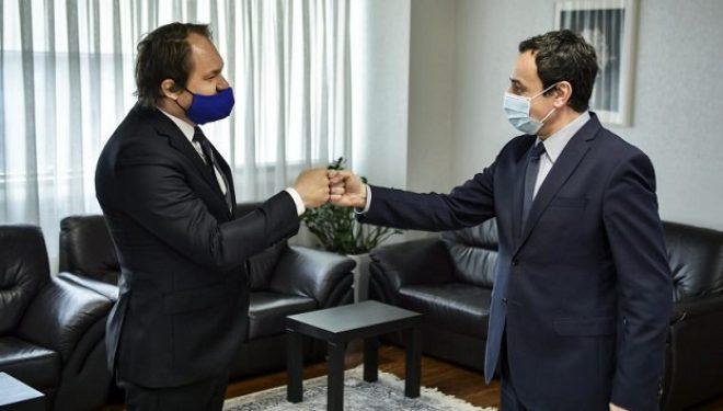 Kurti takon sllovakin Kostlinik, i kërkon që Sllovakia ta njeh Kosovën