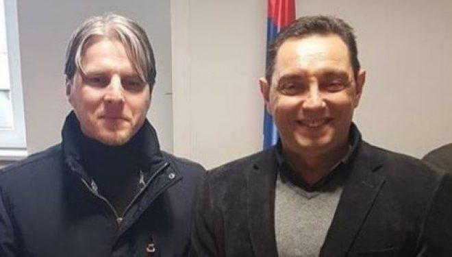 """Përfaqësuesit e Luginës të përçarë, Ragmi Mustafa i thotë Shqiprim Arifit """"mos iu zgërdhij Vulinit"""""""
