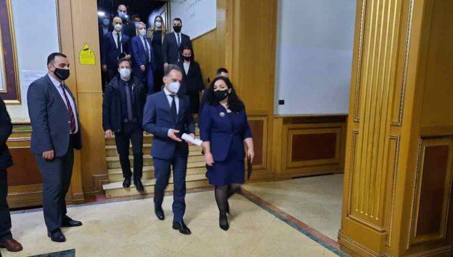 Ministri Maas: Së shpejti 100 mijë vaksina për Kosovën, po punojmë në realizimin e liberalizimit të vizave