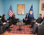 Ministri Peci gjatë takimit me Kosnett: Transparenca dhe ligjshmëria, prioriteti ynë në drejtimin e ministrisë