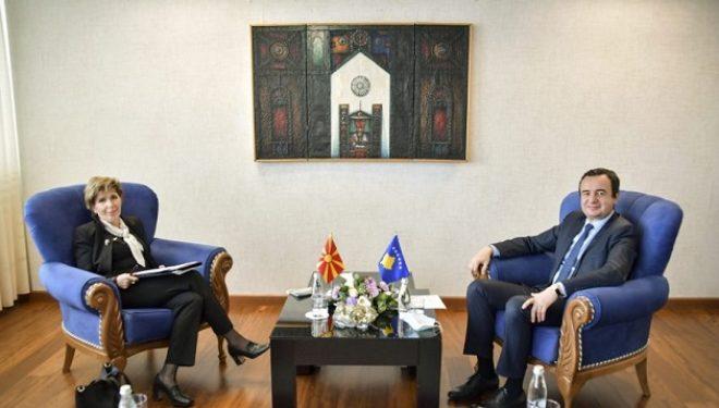 Kryeministri Kurti priti në takim ambasadoren e Maqedonisë së Veriut në Kosovë, Shpresa Jusufi