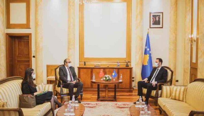 Konjufca dhe ambasadori i Turqisë diskutojnë për rritjen e bashkëpunimit në ekonomi