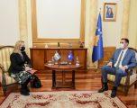 Konjufca dhe ambasadorja i Suedisë diskutuan për sigurimin e vaksinës anti-Covid
