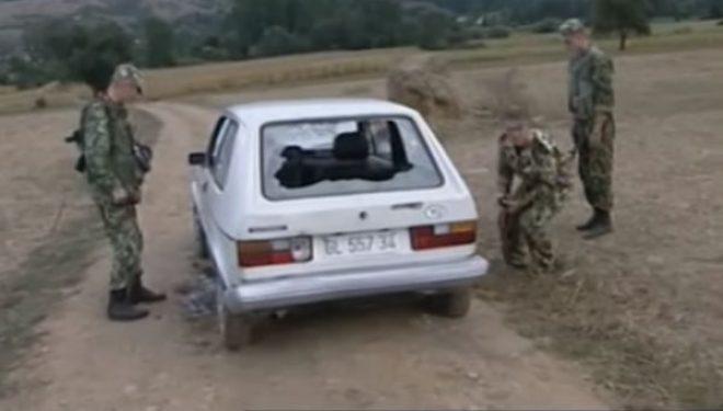 Video e vitit 1999: Ushtarët rusë të KFOR-it vrasin tre serbë në Gjilan, po sulmonin shqiptarët