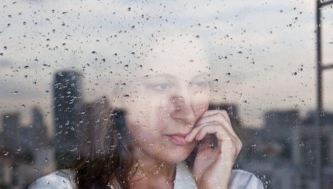 8 sjelljet e njerëzve që i mendojnë gjërat thellë