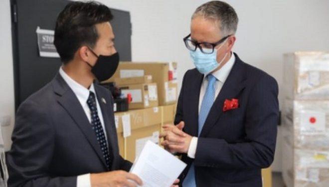 Japonia i dhuron Kosovës pajisje mjekësore në vlerë 810 mijë euro