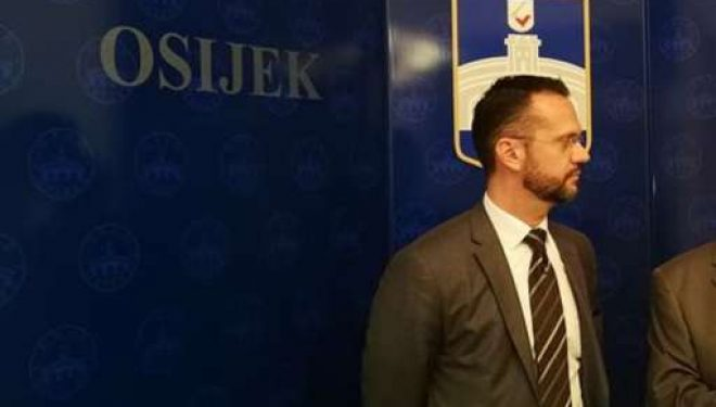 Ambasadori Kasapolli: Kanë qenë diku 13 fëmijë në autobus, asnjë prej tyre s'është listën e të vdekurve