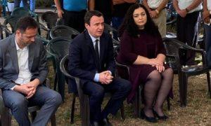 Osmani, Kurti dhe Konjufca shkojnë në Gjakovë për ngushëllime tek familja e nënës dhe bijës që vdiqën në tragjedinë në Kroaci
